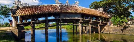 Thanh Toan tile old bridge