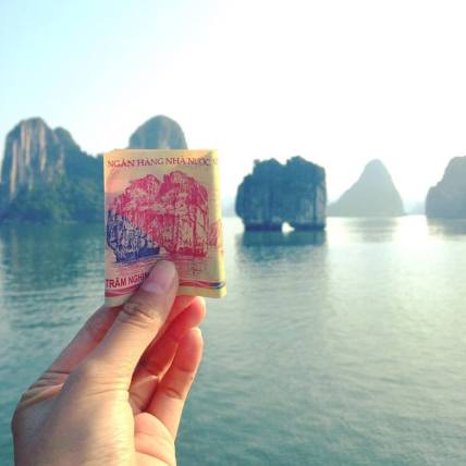 Ha Long Bay on the VND 200,000 banknotes