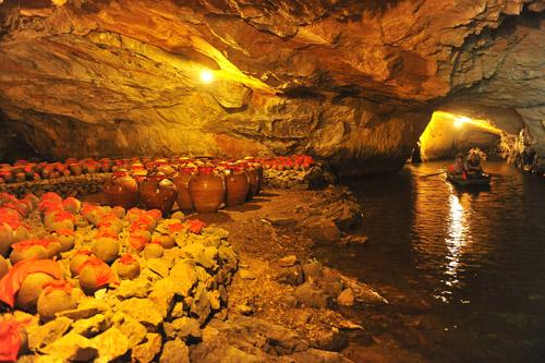 Nau Ruoi Cave (Wine Cave)