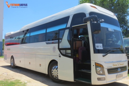 Huyndai-Univers-45-seat-PhongNhaPrivateCar