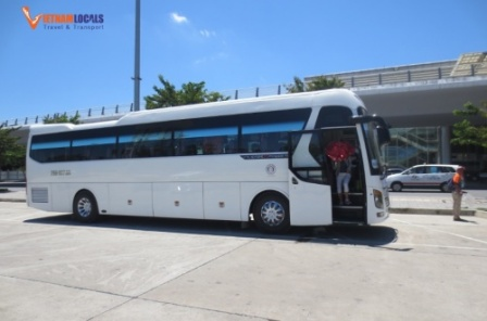 Huyndai-Univers-45-seaters-Phong-Nha-Private-Car